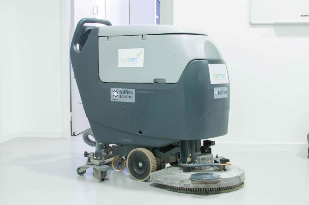 Machine de lavage des sols de Nantnet, entreprise de nettoyage nantes
