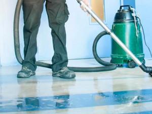 Nettoyage de sol par Nantnet, société de nettoyage industriel