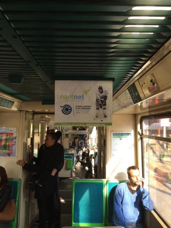 Affiche Nantnet dans les tramways de Nantes